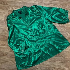 Emerald blouse with belt